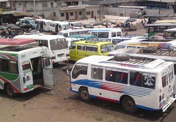 """Gare de minicar """"gbaka"""", ph. auto.ci"""