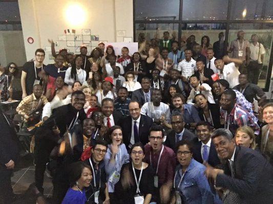 selfie mondoblogueurs François Hollande