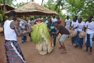 Danse traditionnelle chez les baoulé