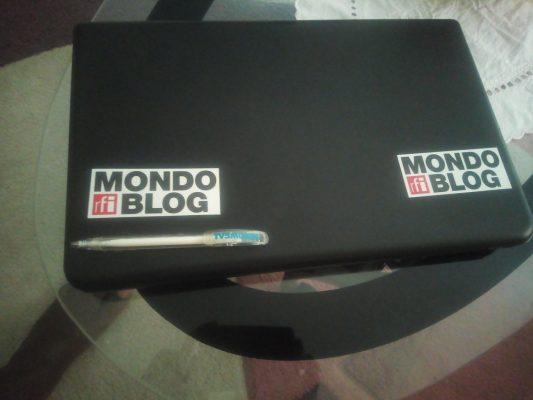 ordinateur aux couleurs de mondoblog