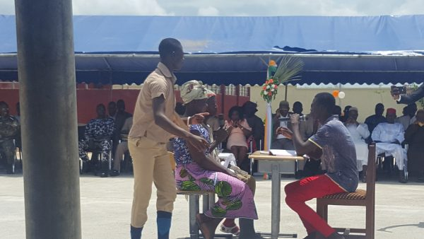 Pièce de théâtre au lycée Dominique Ouattara de Kong